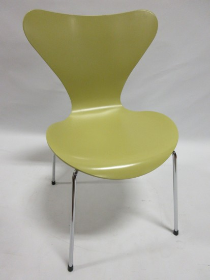 Fritz Hansen Series 7 Side Chair in Lime