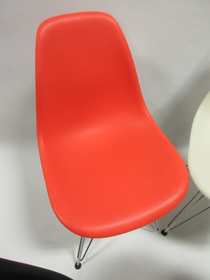 Herman Miller Eames Molded Plastic Side Chair